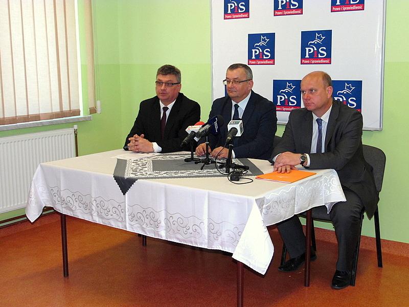Wizyta ministra Infrastruktury i Budownictwa Andrzeja Adamczyka w Biurze Poselskim